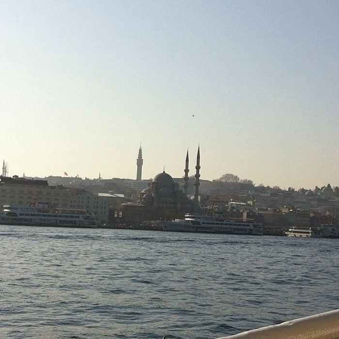 Kadikoy Karaköy vapurundan Istanbul Ve güzel marmara eminonu yenicamii newmosque mosque cami architech mimari