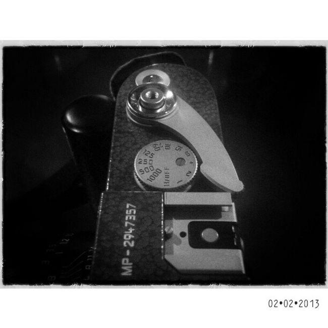 """M"" | Leica MP Hammertone LHSA | bw blackandwhite sgs3 samsung galaxys3 film analog rangefinder mobilephotography"