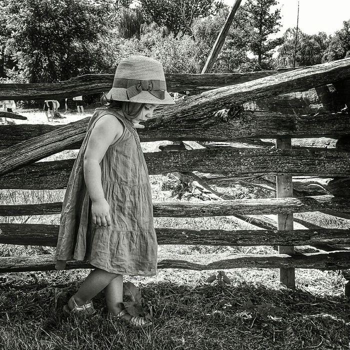 Tmarvlous Blackandwhite Black And White Little House On The Prairie Old World Beautiful Girl Farm Farm Life