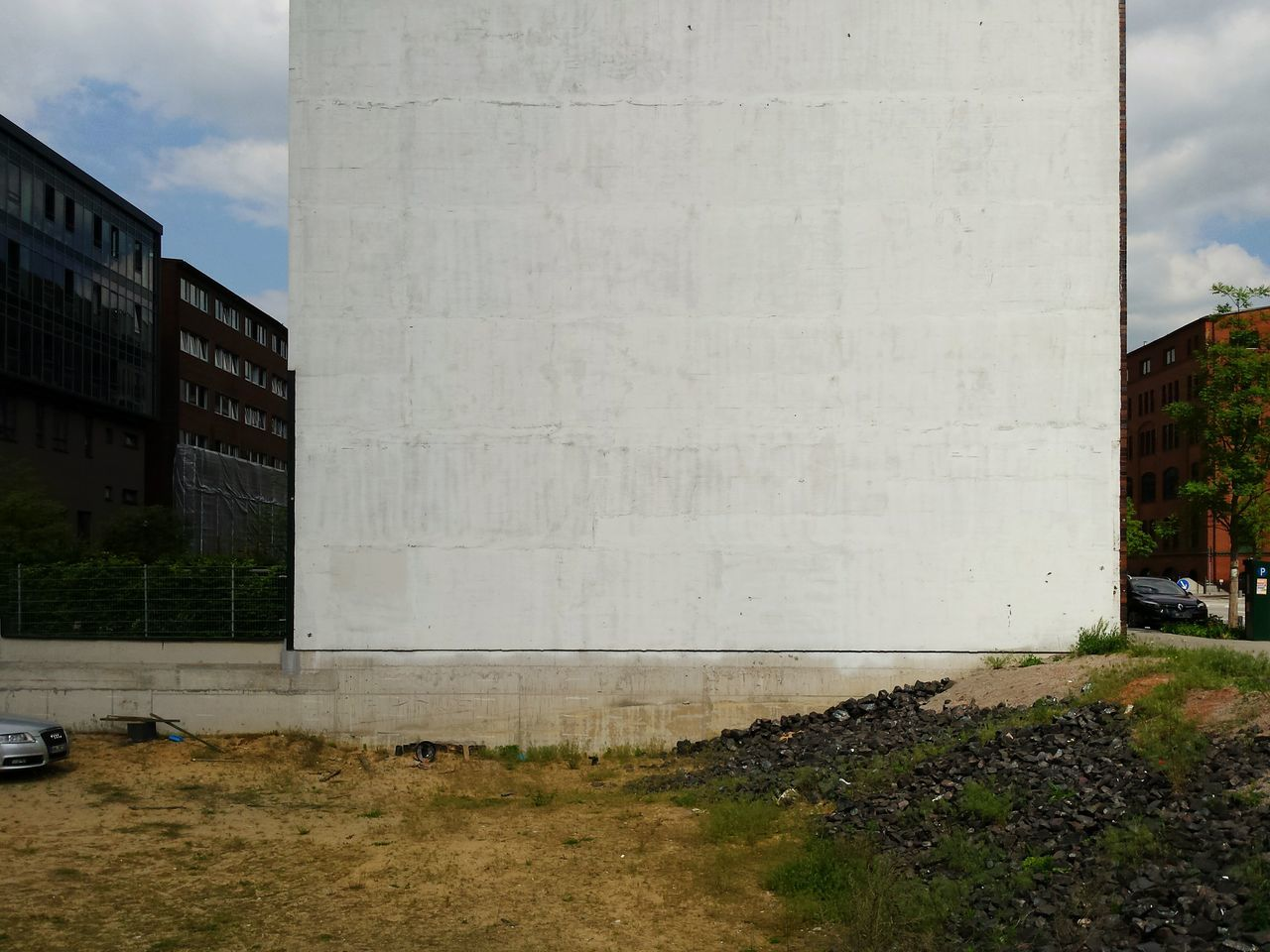 architecture, built structure, day, outdoors, building exterior, road, no people, sky