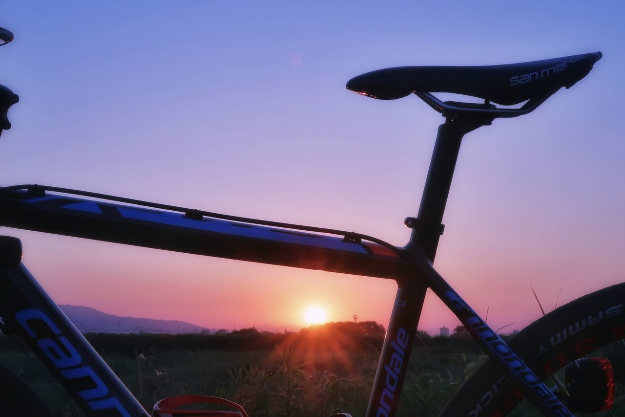 おはようございます 朝チャリ サイクリング ロードバイク 朝日 日の出 朝焼け Good Morning Cycling Roadbike Bicycle Sunrise Sunset Morning Morning Sky Morning Sun Morning Glory Beautifulview 空 いま空 太陽 EyeEm Nature Lover EyeEm Best Shots Beauty In Nature Clear Sky