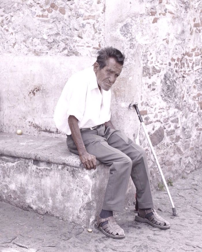 Streetphoto_bw Streetphotography Street Photography Oldpeople Portrait Portraits Portrait Photography Looking At Camera Looking Lookingup Taxco  Guerrero Mexico Mexique Sitting Sitting Outside Walking Stick Cute Portrait Of America Latin America Latinoamerica Latin Latino