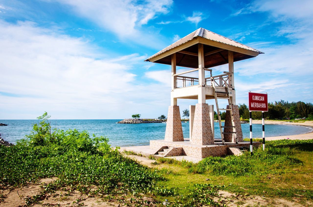 Sea Sky Architecture Built Structure No People Water Building Exterior Outdoors Day Horizon Over Water Nature Beauty In Nature Lifeguard Hut EyeEmNewHere Brunei Darussalam Beauty In Nature Nature Pantai Jerudong EyeEmNewHere