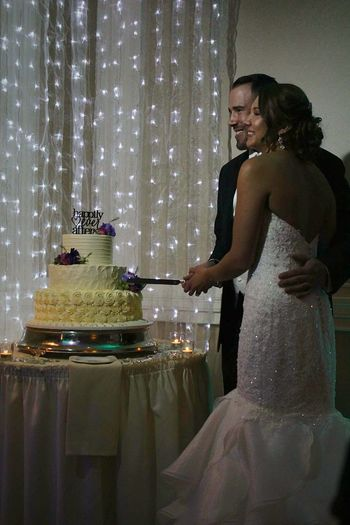 The Week On EyeEm Beautiful Woman Indoors  Groom And Bride Cake Photography ❤ Cutting The Cake FairyTail Dream Lights