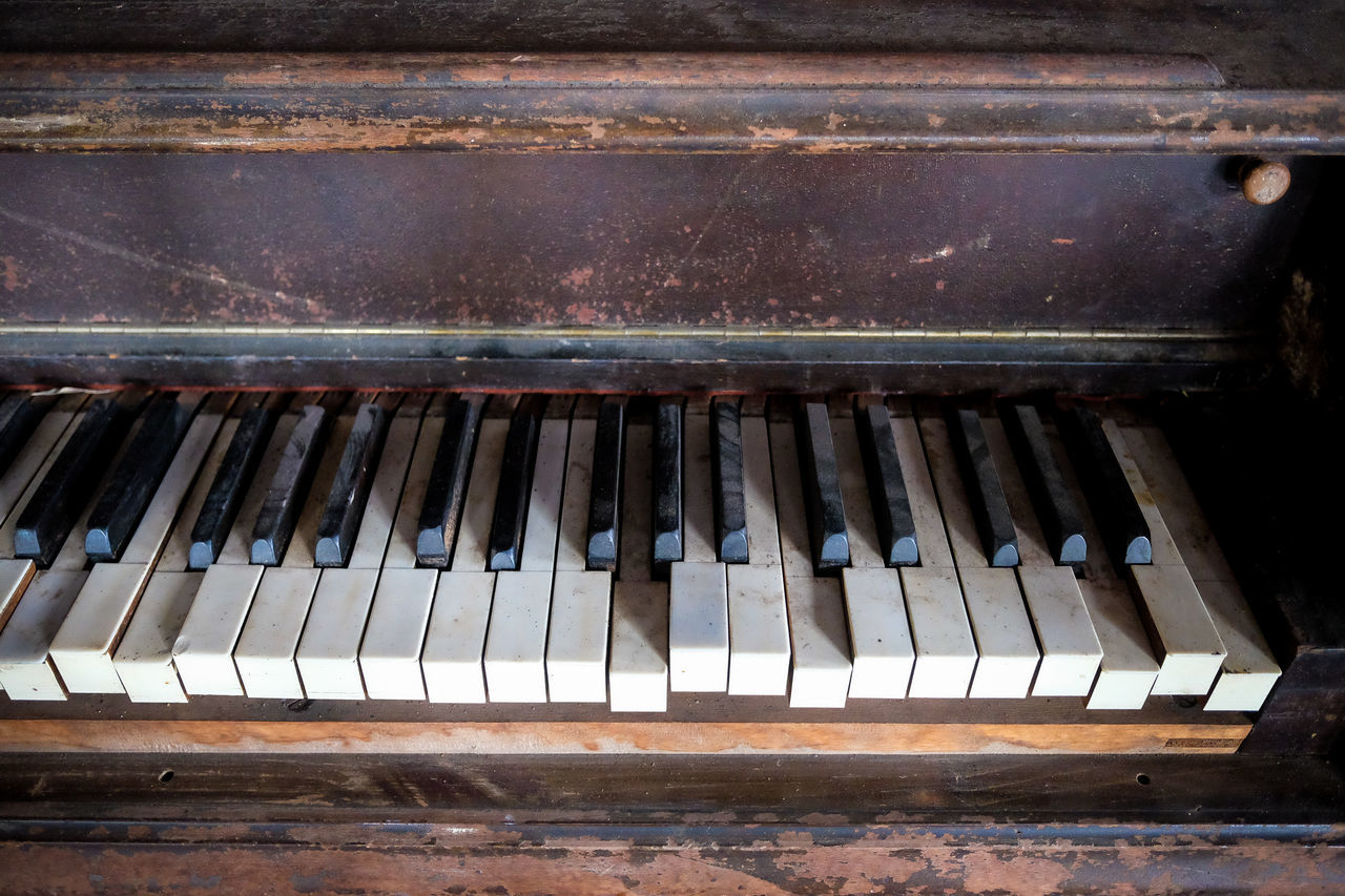 Arts Culture And Entertainment Close-up Day Indoors  Instrument Instruments Music Music Instrument No People Piano Piano Key Retro Retro Styled