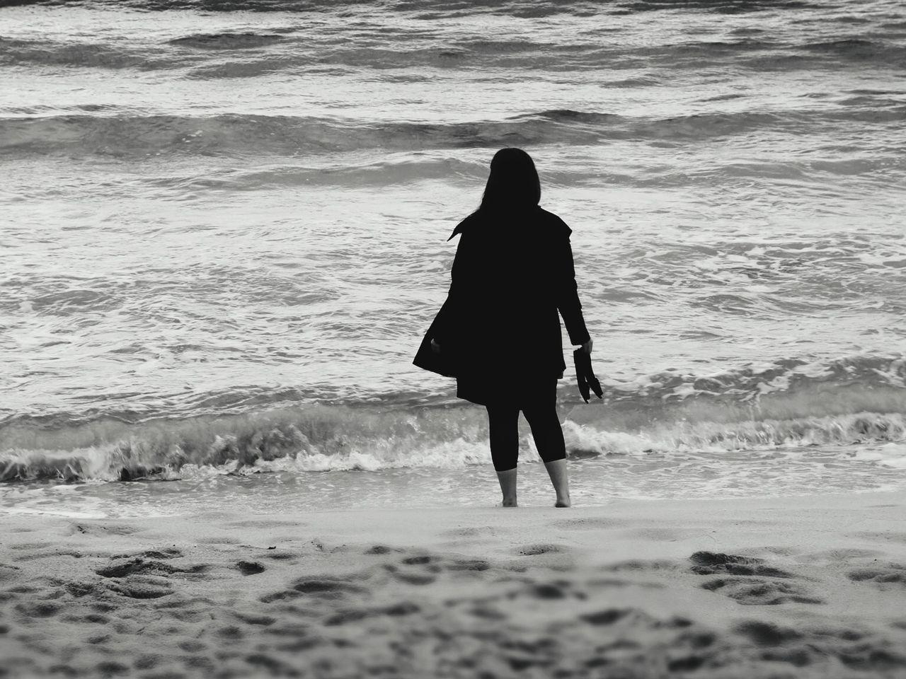 Open Edit EyeEm Best Shots New Filters Monochrome Blackandwhite Blackandwhite Photography EyeEm 5.0 Woman Beachphotography The EyeEm Facebook Cover Challenge