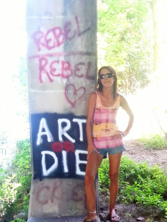 Picturing Individuality That's Me! Graffiti Wall Ghetto Tagging Rebel Old School! Tye Dye!