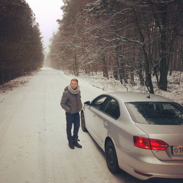 А у нас снег)