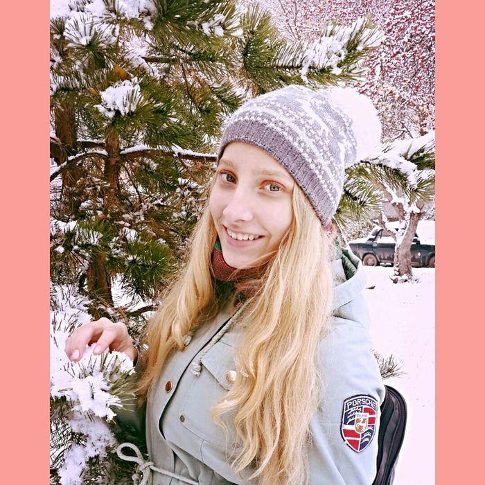 Wow!! Follow Snow ❄