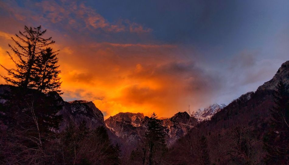 When the sky is burning. Sunset Landscape Nature Beauty In Nature Cloud - Sky Sky Mountains AlpsMountain Alps Beauty RedSky Fire In The Sky Fire In Nature Slovenia Slovenia ❤ Slovenia Scapes Slovenian Alps
