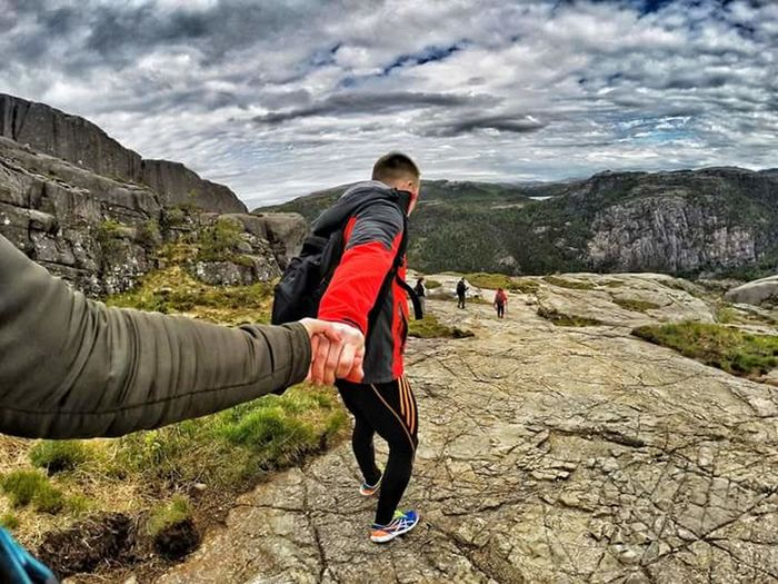 Two People Adventure Outdoors People Mountain Friluftsliv Hike Hikingadventures Love Couples Handinhand Follow People Photography Traveladdict Goprotravel Aroundtheworld Goprophotography Traveltheworld Lovetotravel Togheter Adventuretime Mountainhike
