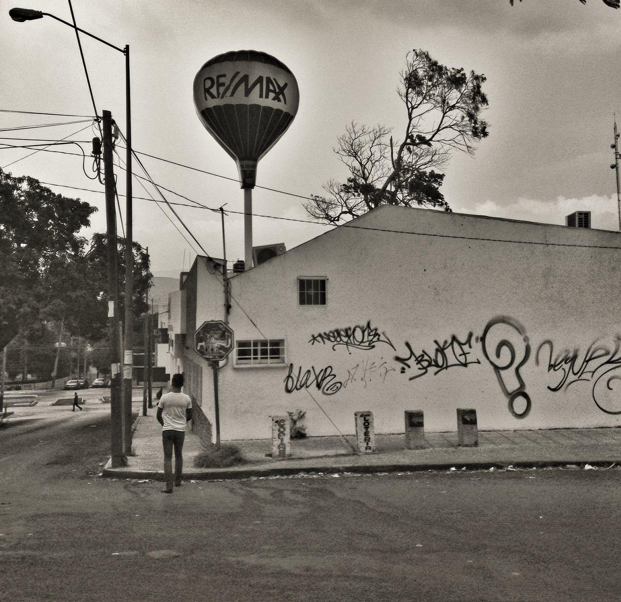 Caminando por la ciudad Streetphotography IPhoneography Urban@ndante Monochrome