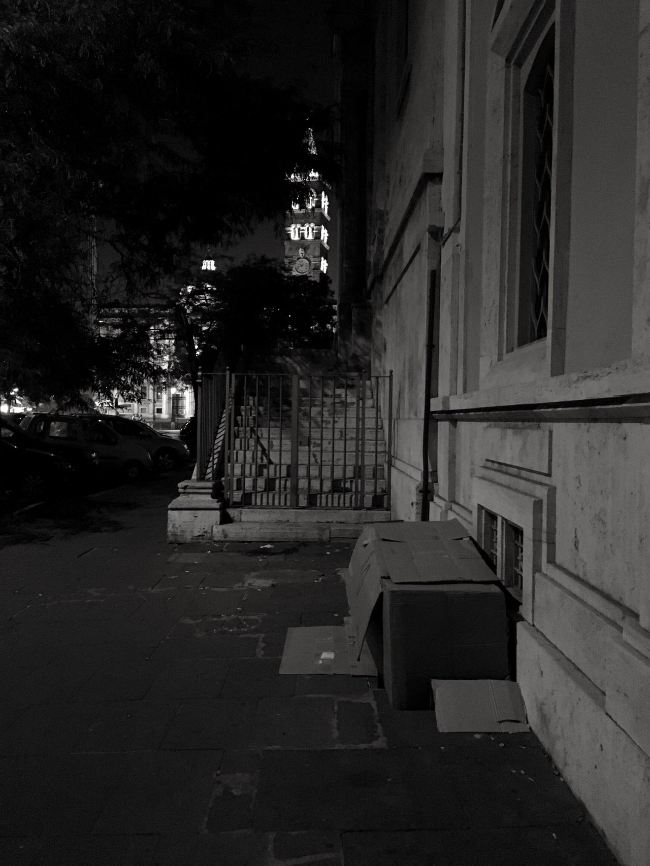 Night Residential Building City No People Real People Oneperson Housebox Bedinbox Clochard Loneliness Badcityview Church Sidewalk