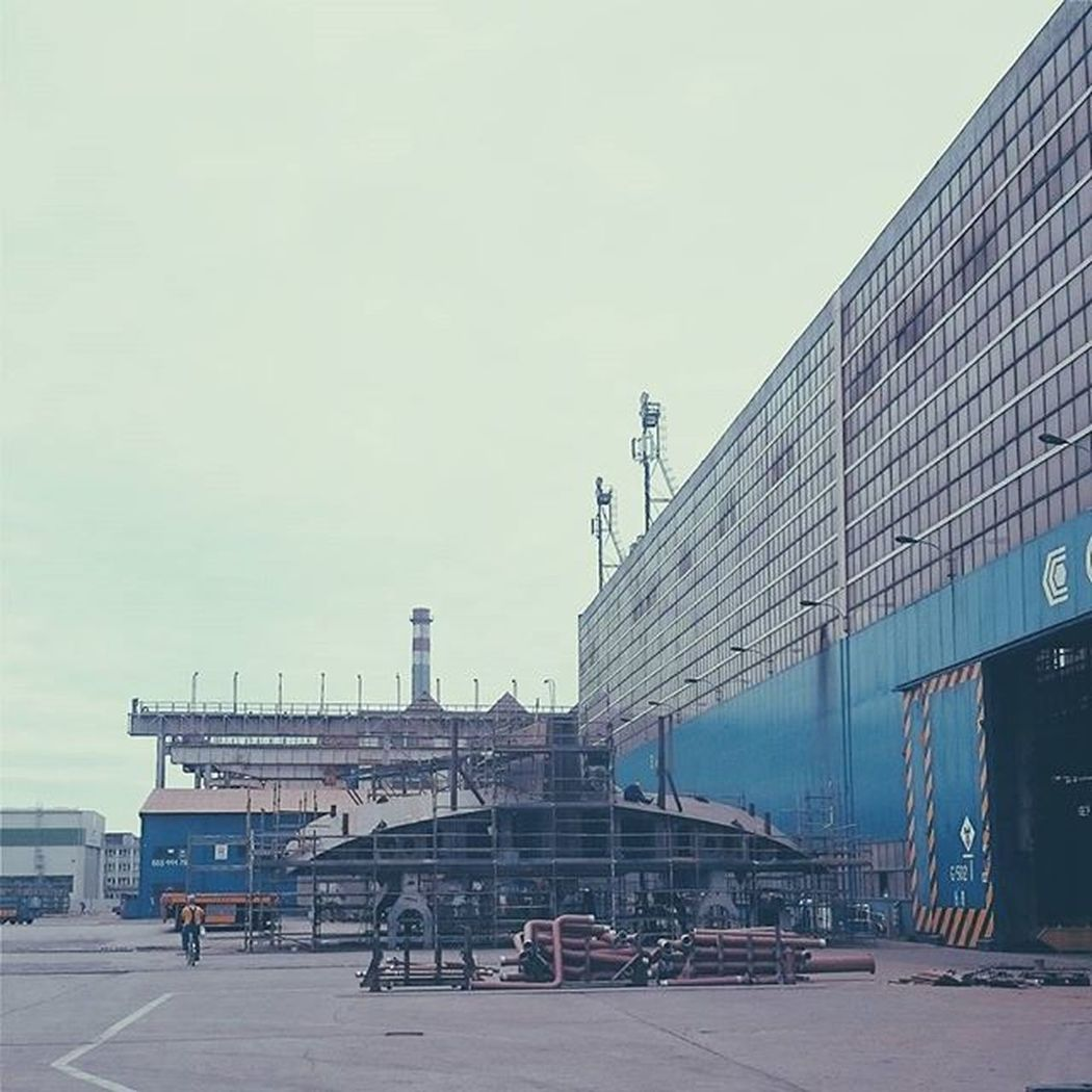 Gdynia Stocznia Crist CoONItutajbuduja UFO SpaceShip Nol TruthIsOutThere Aliens Area51 Vscocam Vscotricity Vscopoland