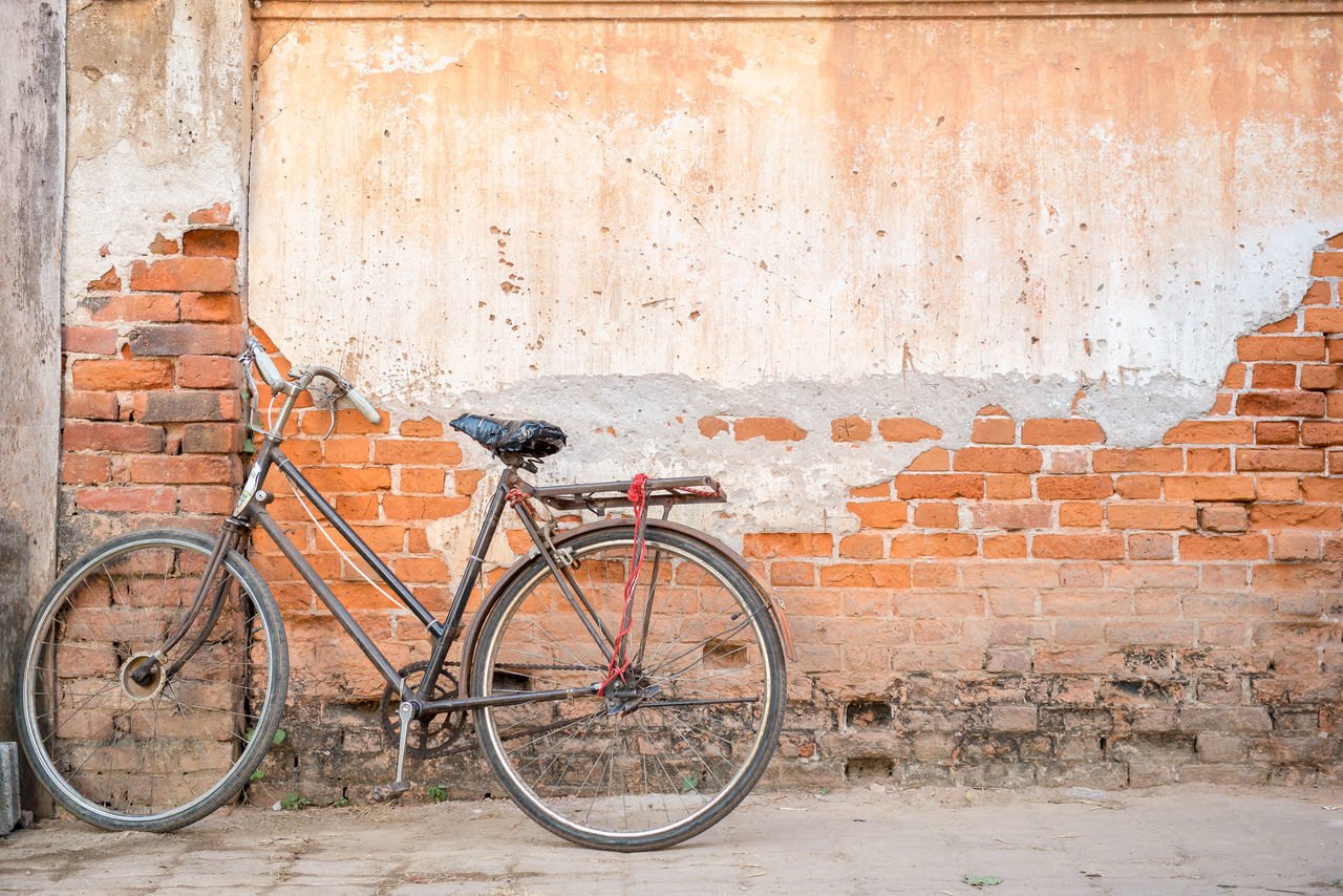 A bicycle lean on cement and brick wall Rusty Goodness Antique Background Bicycle Bike Brick Wall Classic Day Leaning No People Old Old-fashioned Outdoors Parking Retro Retro Styled Scene Street Streetphotography Style Urban Vintage Wall