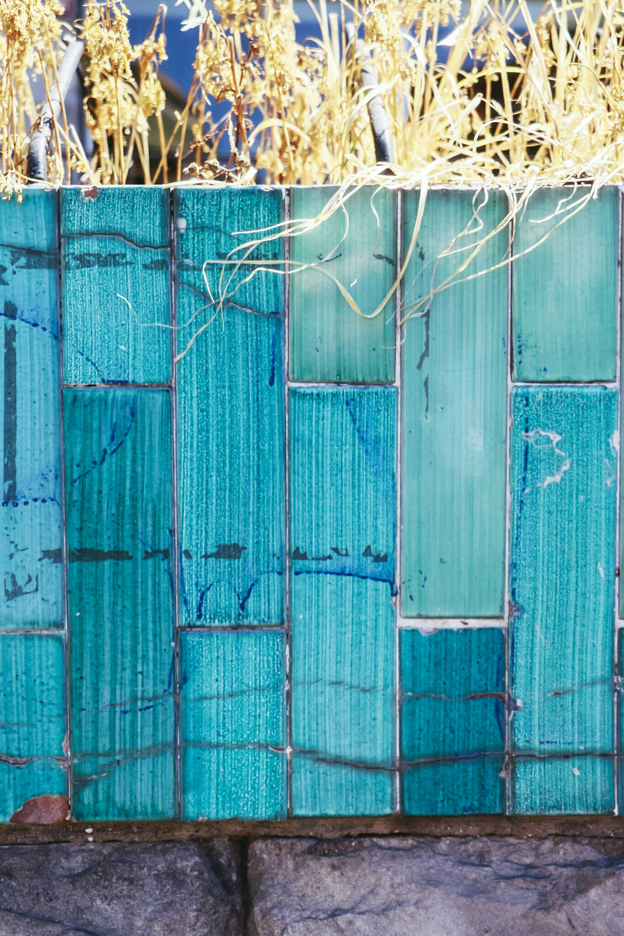 Green Color Built Structure Day Blue Outdoors No People Wood - Material Architecture Multi Colored Close-up