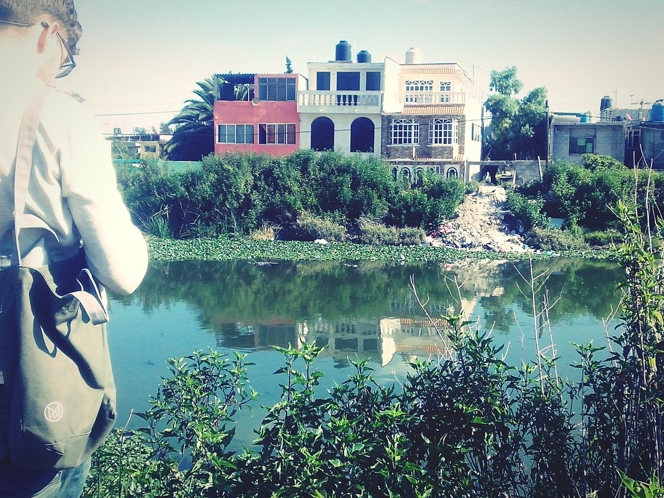 ¡Ni una menos! Broken Dreams River Watching Photo Singing Happyness