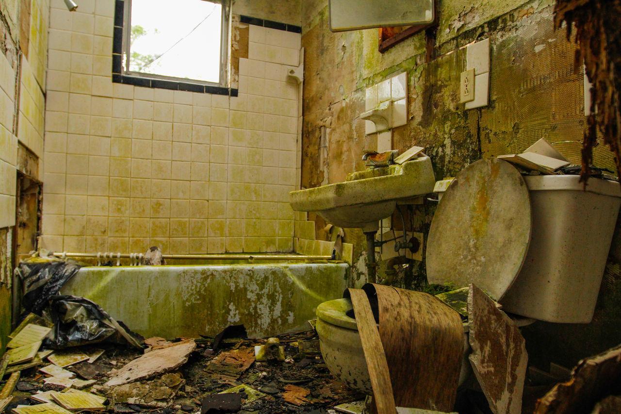 Beautiful stock photos of bath, Abandoned, Bathroom, Bathtub, Broken