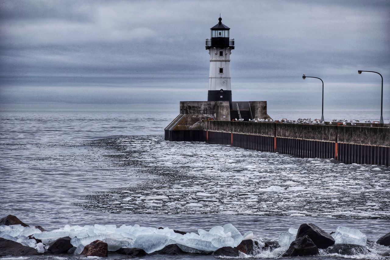 Lighthouse in Duluth, Minnesota. Lighthouse Lake Superior Ice Scenic Nature Minnesota Waves Clouds Outdoors Outdoor Photography Seagulls Weather The Great Outdoors - 2017 EyeEm Awards