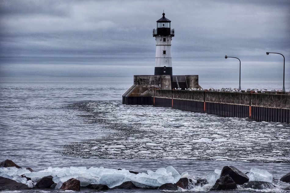 Lighthouse in Duluth, Minnesota. Lighthouse Lake Superior Ice Scenic Nature Minnesota Waves Clouds Outdoors Outdoor Photography Seagulls Weather