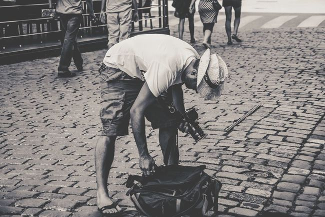 Blackandwhite Peoplephotography People Black & White EyeEm Best Shots Black And White Taking Pictures Street Photography Streetphotography Photographer