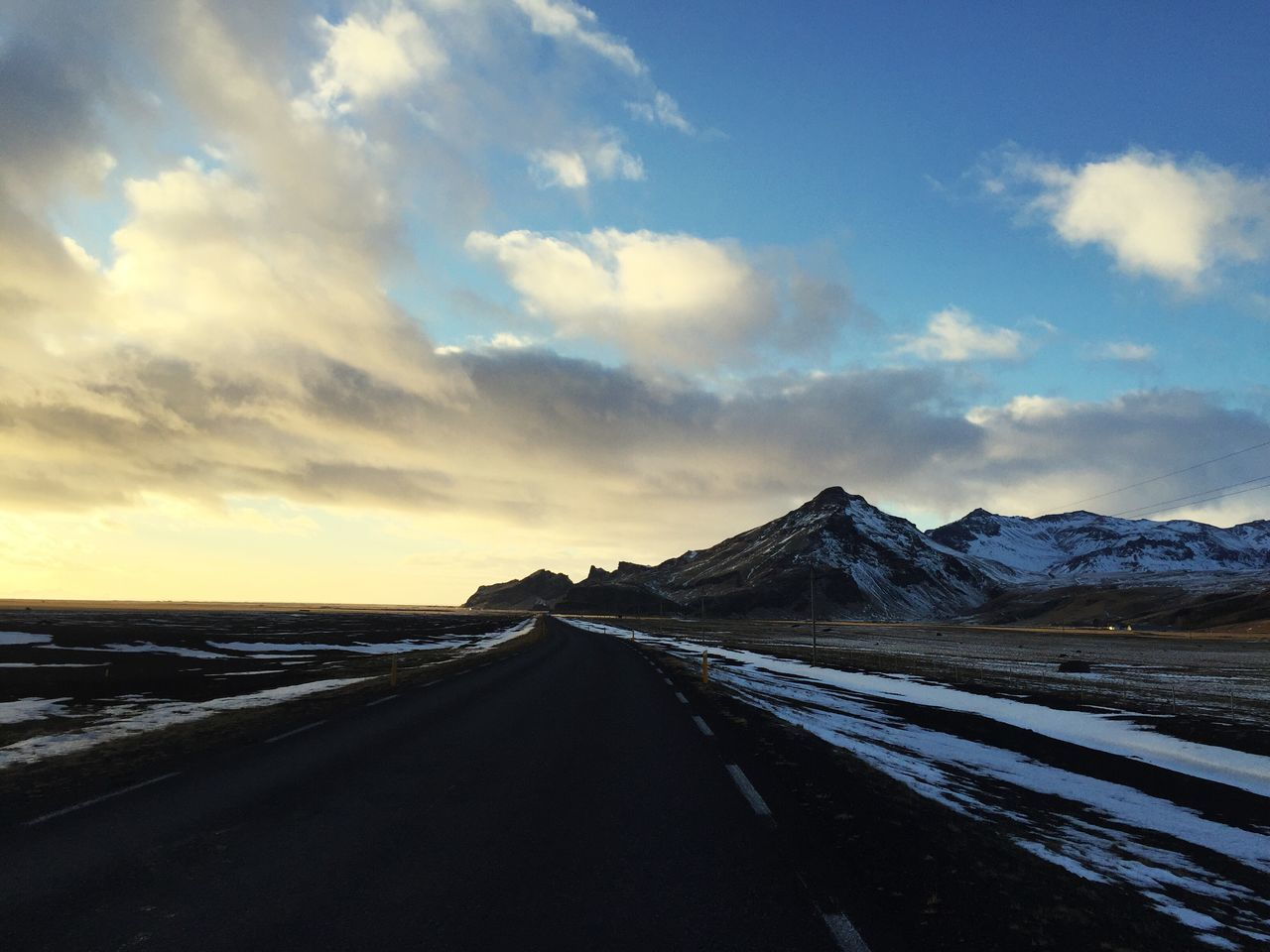 Scenics Road Sky Tranquil Scene Landscape Nature Tranquility Beauty In Nature Mountain Remote Non-urban Scene Outdoors Cold Temperature Cloud - Sky Snow No People Winter Day