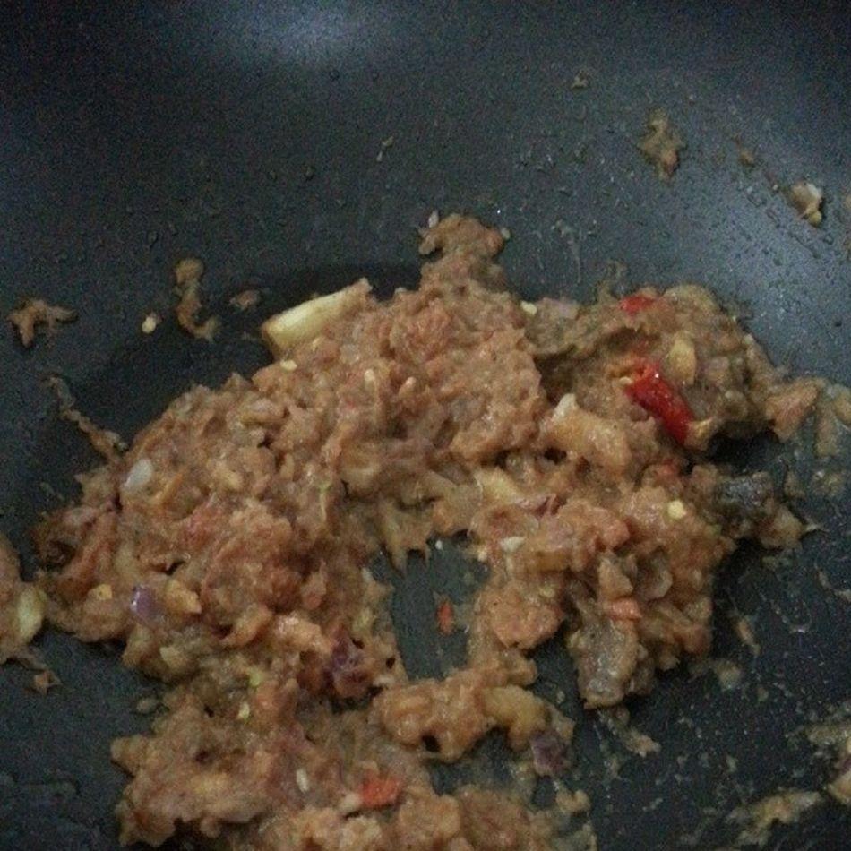 Sambalbelacan Udangkaring for cacah Ambuyat later.. hihihi Homemade