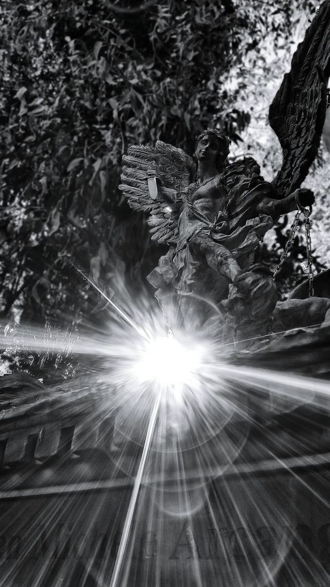 No People Black And White Blackandwhite Blackwhite Blancoynegro Black&white Black & White Black And White Portrait Blackandwhite Photography Blackandwhitephotography Black And White Photography EyeEm Best Shots - Black + White Black And White Collection  Blacknwhite Showcase: November Seeing The Sights Monument Monumento Historical Monuments Monuments Statues Statue Angels Angel Arcangel