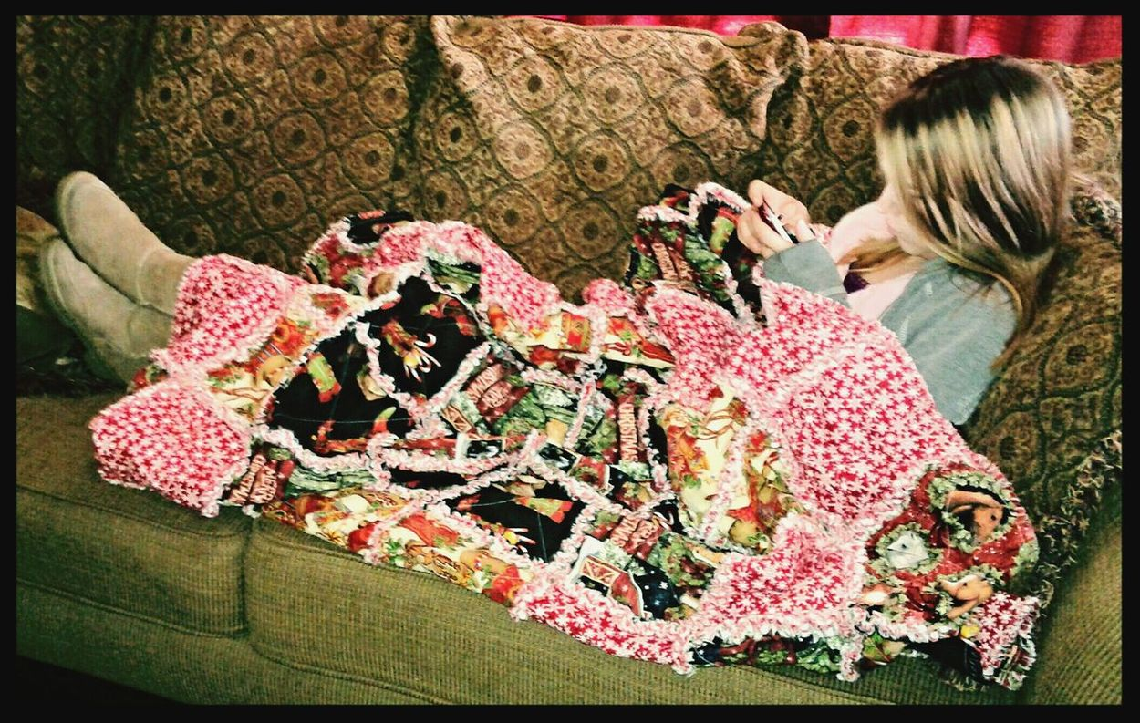 Quilts Beautiful Girl Nice And Cozy Keeping Warm Relaxing Moments Lifeisbeautiful