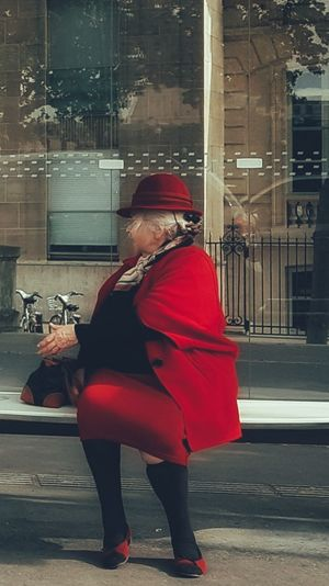 Madame vous êtes mon rayon de soleil de la journée 😍😍😍 Red One Person Adult One Woman Only City Simple Moment Life BYOPaper! Paris ❤ Samsung Galaxy S7 Edge Street People Photography Real People Streetphotography Capture The Moment France🇫🇷 Ordinary Scene People Of EyeEm The Street Photographer - 2017 EyeEm Awards From My Polnt Of View Senior Adult EyeEmBestPics