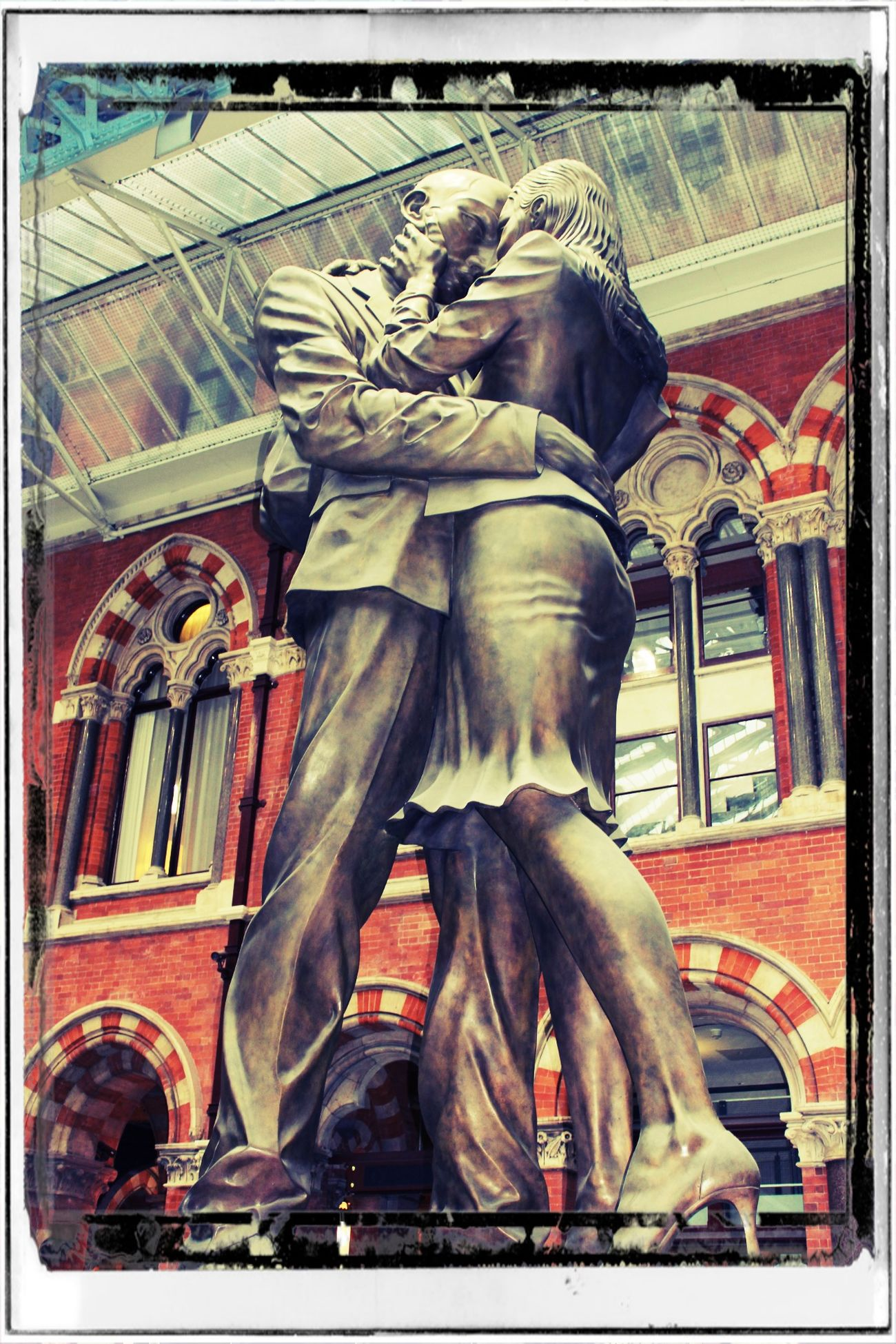 """""""Somehow I know we'll meet again. Not sure quite where and I don't know just when. You're in my heart, so until then it's time for saying goodbye."""" Terminal Station Parting Goodbye Human Representation London Sculpture Statue Terminal Travel Destinations"""