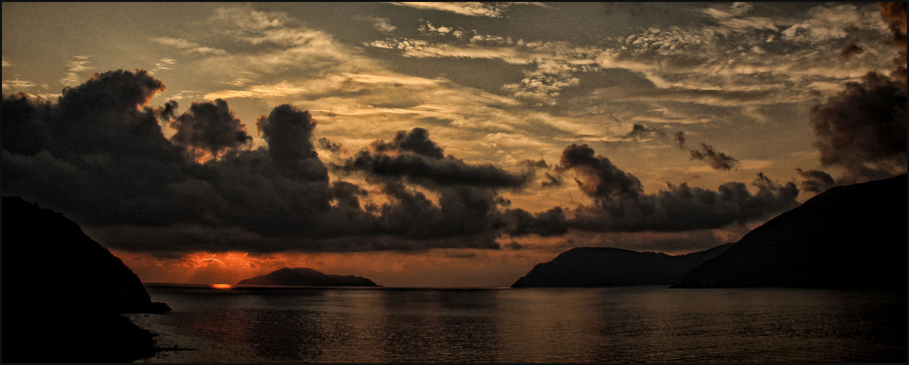 Beauty In Nature Cloud - Sky Islands Mountain Nature Outdoors Panoramic Scenics Sea Sunrise_sunsets_aroundworld Sunset Vietnam Travel Vietnamphotography Water