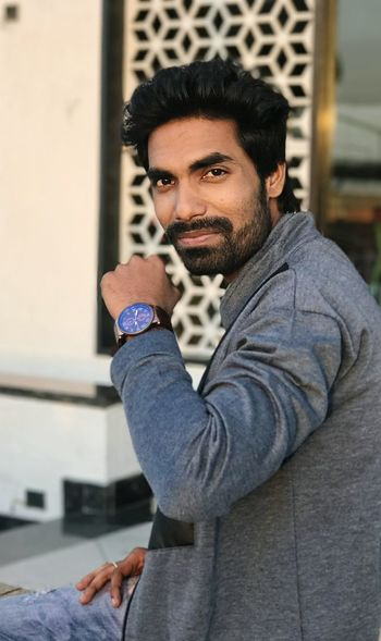 Only Men Young Adult Men One Man Only Adult Fashion Portrait Beard One Person Adults Only Lifestyles Outdoors People Modern Day Robinraj Fashion Close-up IPhone7Plus