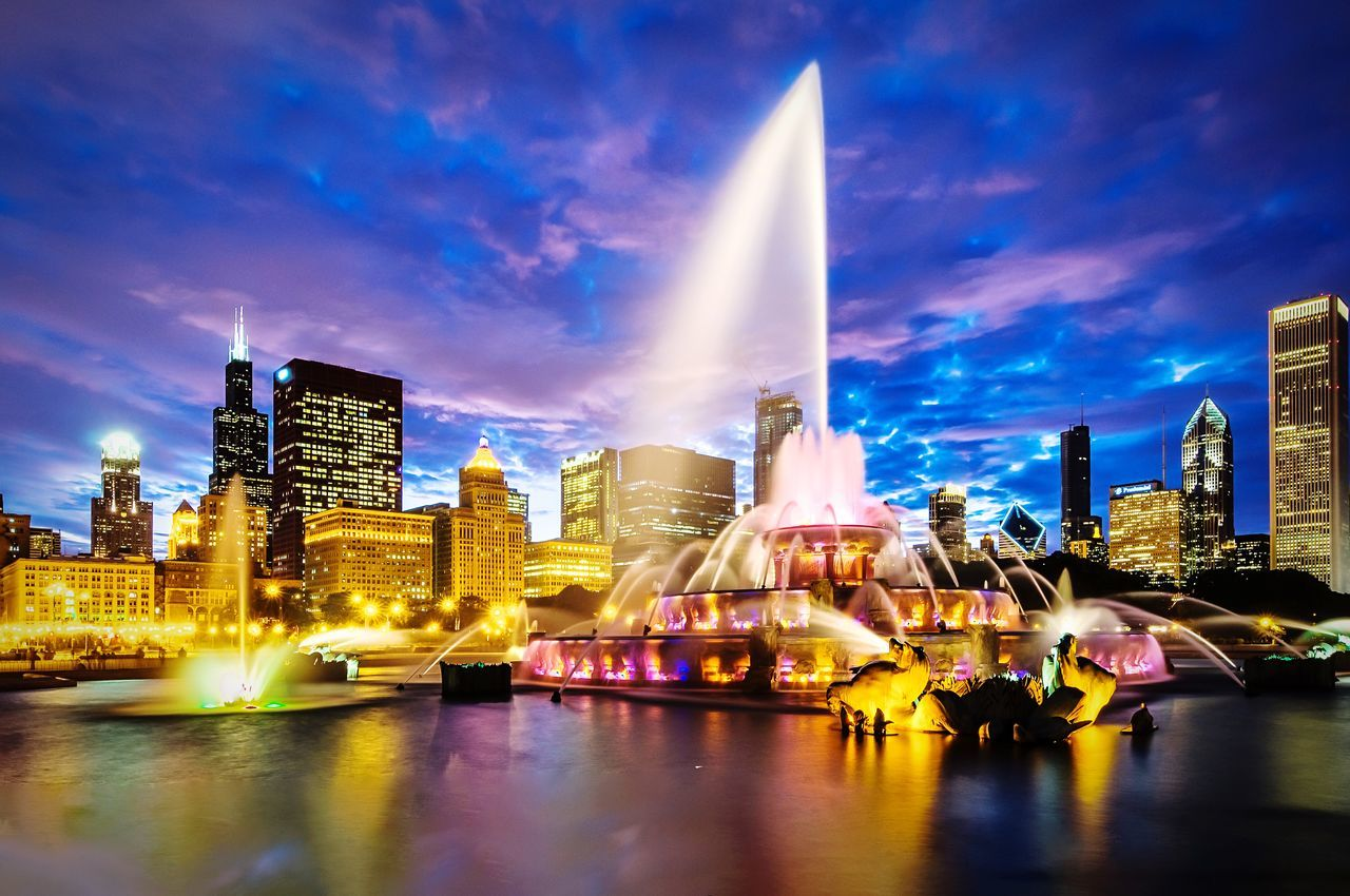 Buckingham Fountain Chicago Nightphotography Night Lights Fountain Colors Eye4photography  EyeEm First Eyeem Photo Urbanphotography Night Photography Long Exposure Fountains Capture The Moment Capturing Movement Colorful Colours Colorsplash Splash City Skyporn Sky Colors Colorful Sky Chicago ♥ Chicago, Illinois