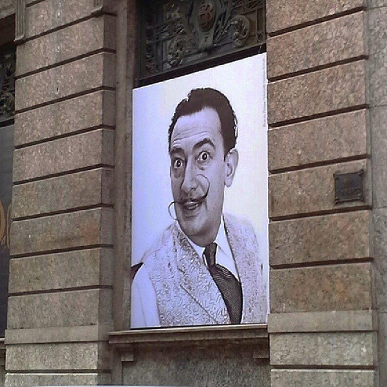 Mostra Salvador Dali CCBB  Riodejaneiro Salvadordali Dalí 021 A exposição apresenta cerca de 150 obras do artista, entre pinturas, gravuras, documentos, fotografias e ilustrações. A mostra abrange as diversas fases criativas do pintor, com ênfase no período surrealista, que o consagrou e no qual refletiu seu imaginário singular. brazil lol brasil art artista bancodobrasil entaovamos @registrocarioca @breakingbrazil