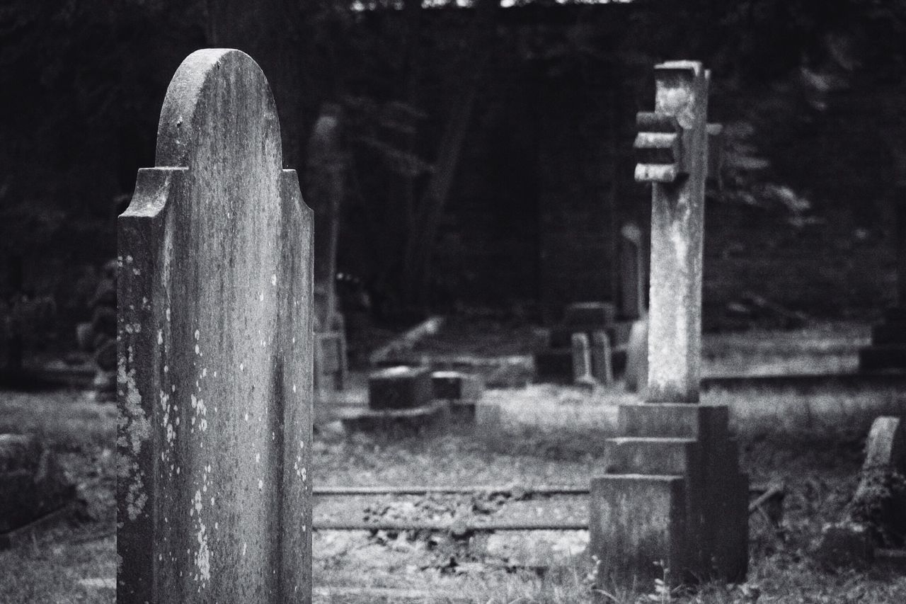 Cemetery Tombstone Memorial Cross No People Outdoors Grave Gravestone Graveyard Canon Tranquility Photography Black & White Creative Photography Graveyard Beauty Canonphotography Burial Ground South West London