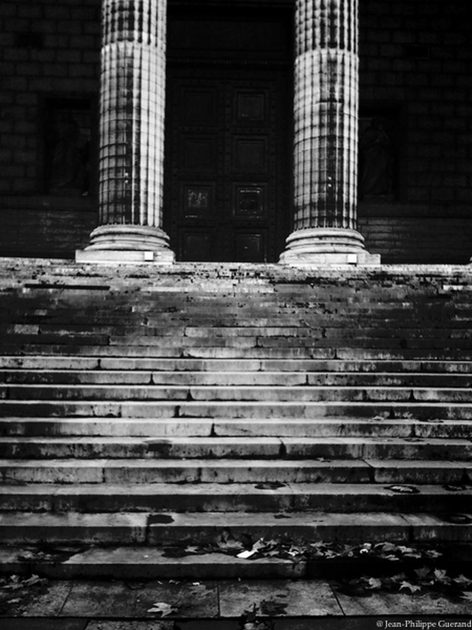 architecture, built structure, building exterior, steps, architectural column, no people, day, outdoors