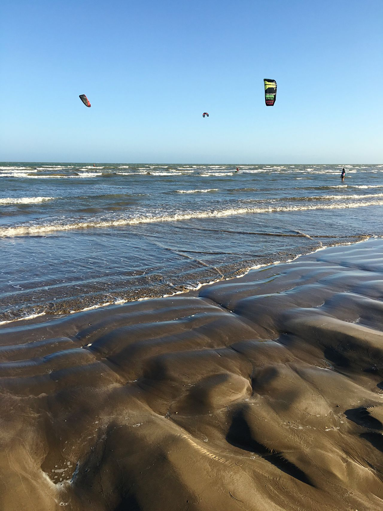 Sea Beach Nature Beauty In Nature Horizon Over Water Water Sand Scenics Clear Sky Shore Outdoors Sunlight Day Wave Tranquility Adventure Tranquil Scene Leisure Activity Vacations Kitesurfing Kitesurf Kites Caribbean Caribbean Sea