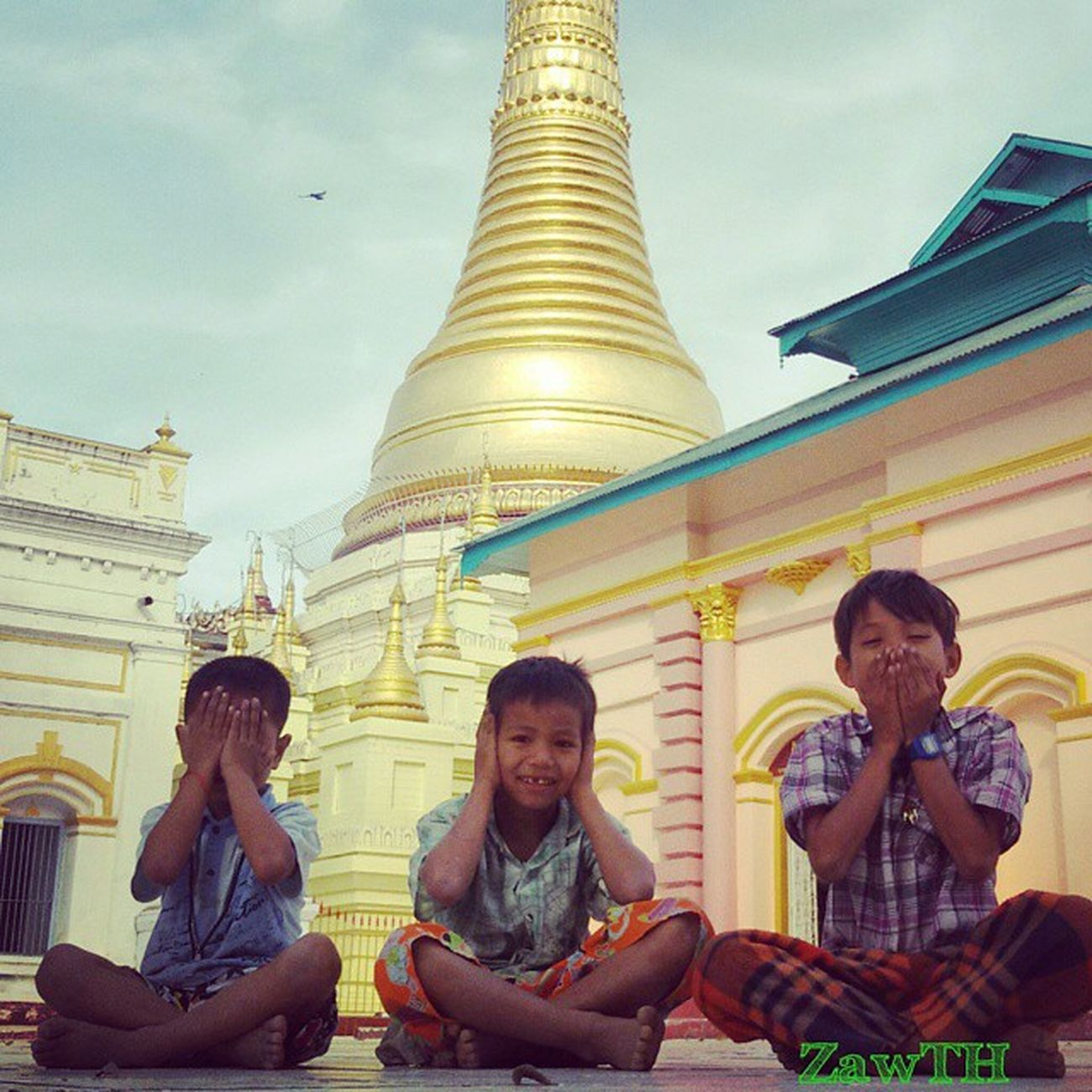 See no Devil Listen no Devil Say no Devil Wisemonkeys Threemonkeys Burmeseboys Myanmarboys Say Monywa Seenodevil Listennodevil Saynodevil Shweguni Pagoda Sagaing Igersoftheday Igersmyanmar Igersmandalay Vscomyanmar Burmeseigers Exploremyanmar Goldenland Bsn_family Myanmar Burma Mandalay Innocent Ig_photo_life ig_children children mobilephotography zawth
