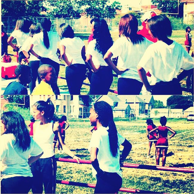our first football game Saturday against lame ass Roosevelt. we won ayee. but always me nd my pompoms memberss ♥♥♥♥ Soldan Tigers