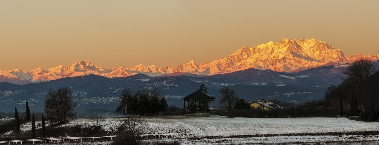 Alba Dawn Dawn Collection Dawn Of A New Day Italia Italy Italy❤️ Landscape Landscape #Nature #photography Landscape_Collection Landscape_photography Landscapes Montagne Montain  Montains    Monte Rosa Monte Rosa Sky Nature Nature Photography Nature_collection Naturephotography Panorama Panorama View Panoramic Landscape Panoramic View
