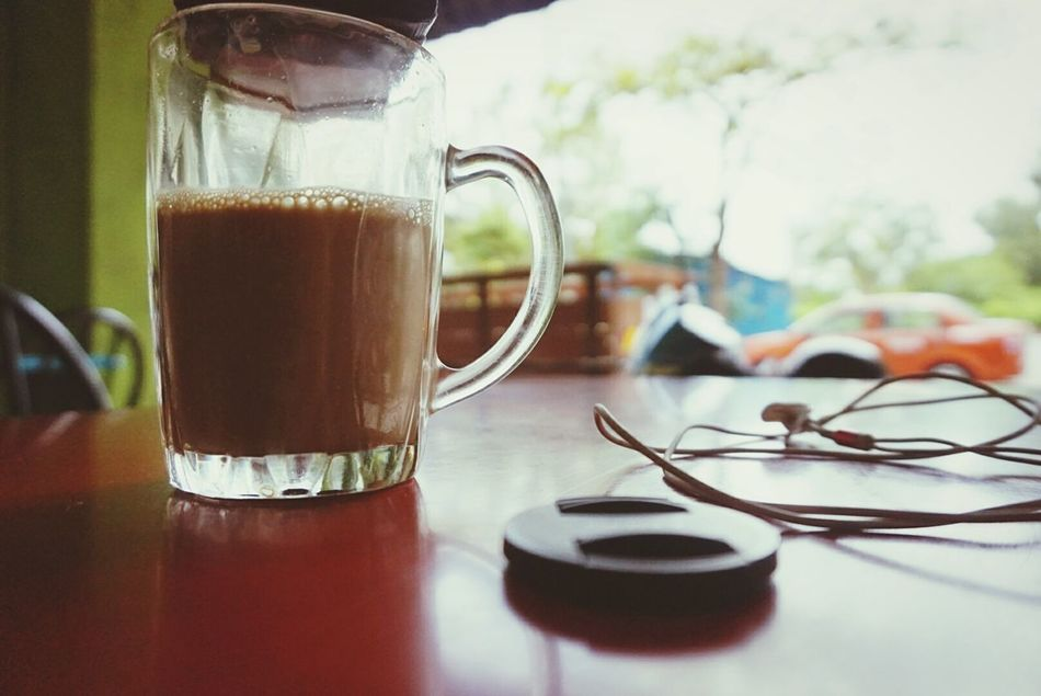 Kebosanan...kesorangan....hanya brtemankan nescafe tarik...mmmmmm