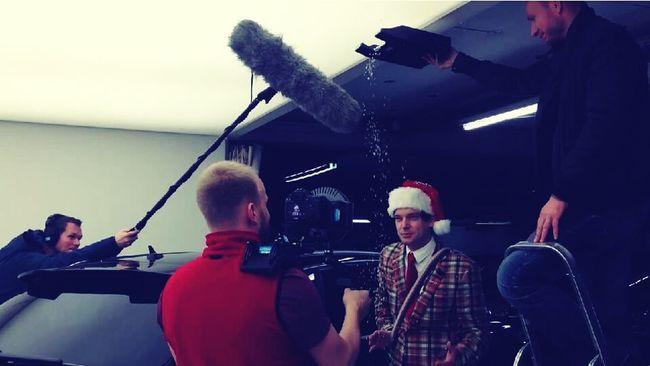 :D polyester-human-snowmashine life on set filmset behind the scenes buissnes woman Director filmmaker mompreneur Setlife knitterfisch Knitterfisch
