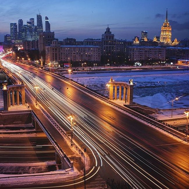 Moscow sity never sleeps. Roof Rooftop Russia Rooftops Roofs Rooftop View  Roof Top Moscow Moscow City Building Buildings Evening Evening Sky Picoftheday EyeEm Best Shots EyeEmBestPics EyeEm Eyebest Photo Urbanexploration Linegasm Geometric Eye Best Shot Snow Amazing_captures Snow ❄