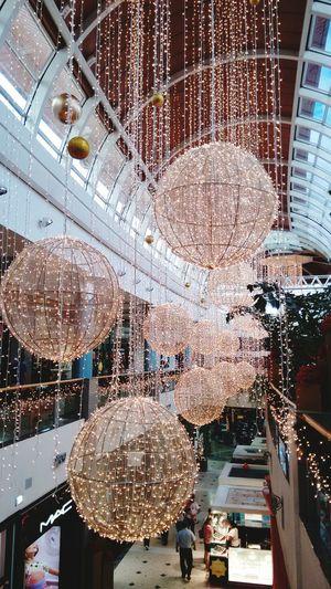 Casi todo listo para Navidad...shopping del Sol Hello World Capture The Moment Tapiz