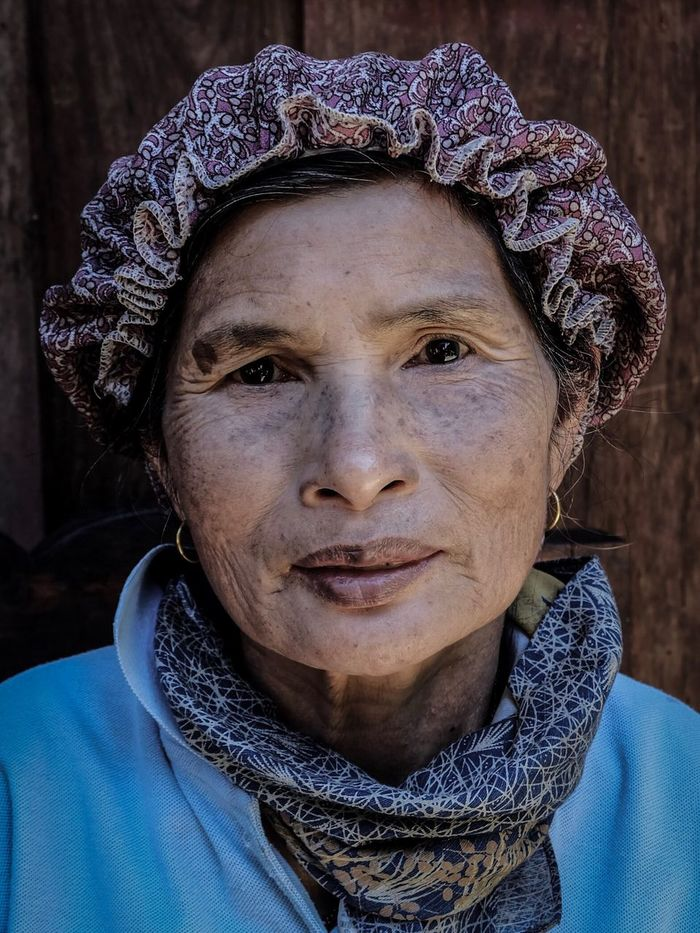 The coffee-man's wife | Chiangmai 2015 - One of our hosts when we home-stay in a village in Chiangmai last year. She and her husband farms coffee. This was a quick shot before we left Maekampong. Portrait People Photography EyeEm EyeEm Phillipines Eyeem Philippines Chiangmai Thailand Villager Travel Trip Portraiture Fuji Fujifilm Xa2 Women Uniqueness