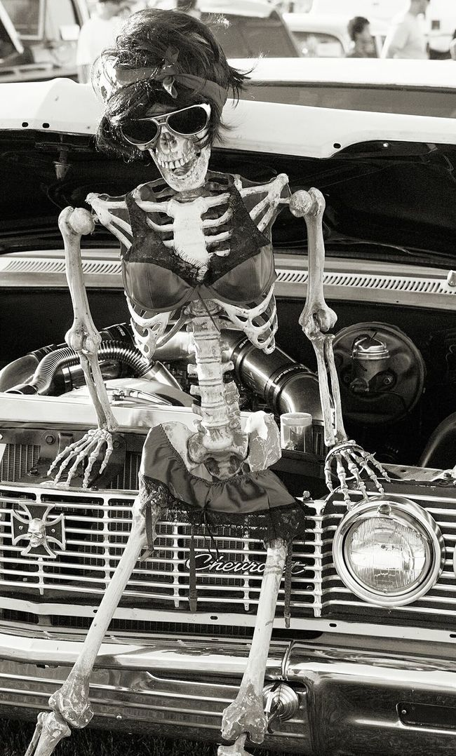 Black And White Vertical Antique Old-fashioned Route 66 Black And White Photography Blackandwhite Supermodel GenderEquality Riotsnotdiets Classic Car Classic Cars Skeleton Bikini Bikinimodel Bikinis Bikinibody