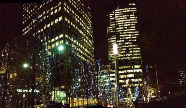 Skyscrapers In The Clouds Hello World ✌ Taking Photos Winter Lights✨ At Night🌙 London, UK🇬🇧 Canary Wharf Jubilee Place Jubilee Park JP Morgan Ōbika Mozzarella