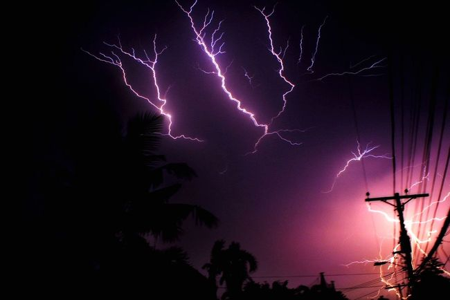 My first lightning photo attempt! 😊 Stockphoto Eyemphotography EyeEm Gallery Lightning Photography