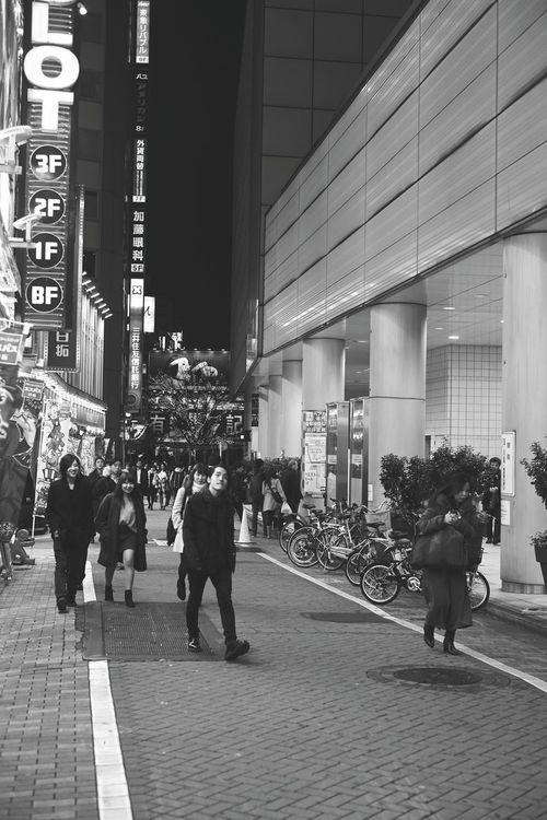 Monochrome_koh_w Blackandwhite Photography Blackandwhite B&w Monochrome Monochrome _ Collection Snapshot Streetphotography Street Snapshots Of Life Snap Shot Shibuya Tokyo Japan
